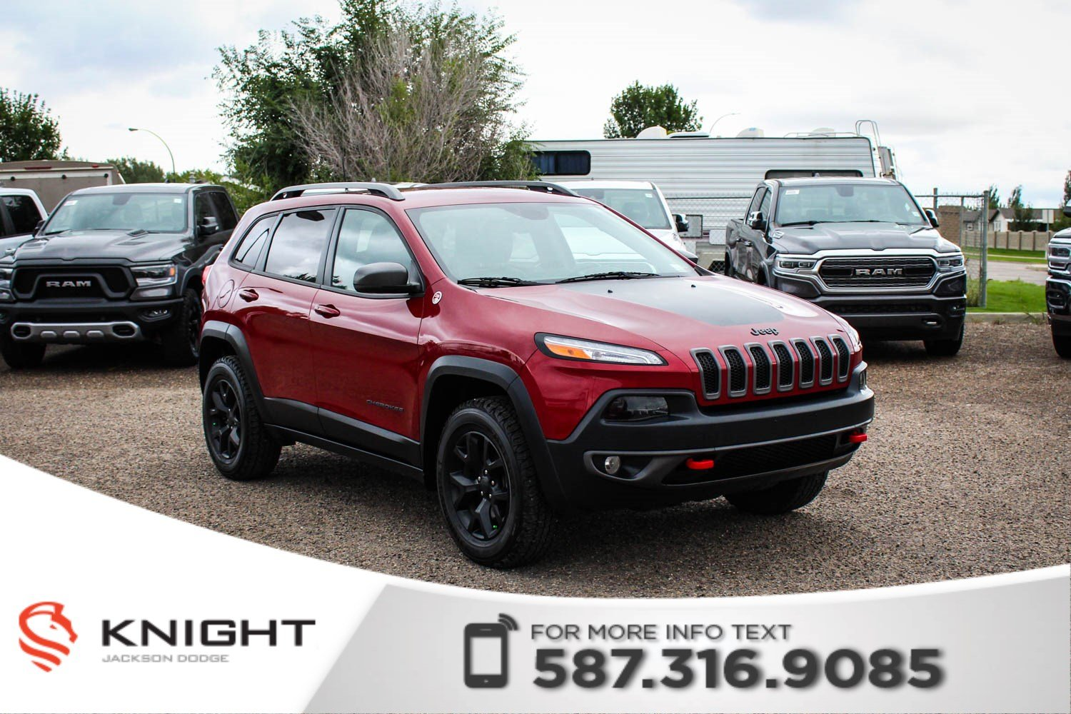 Pre-Owned 2017 Jeep Cherokee Trailhawk - NAV, Rear Parking Sensors, Leather